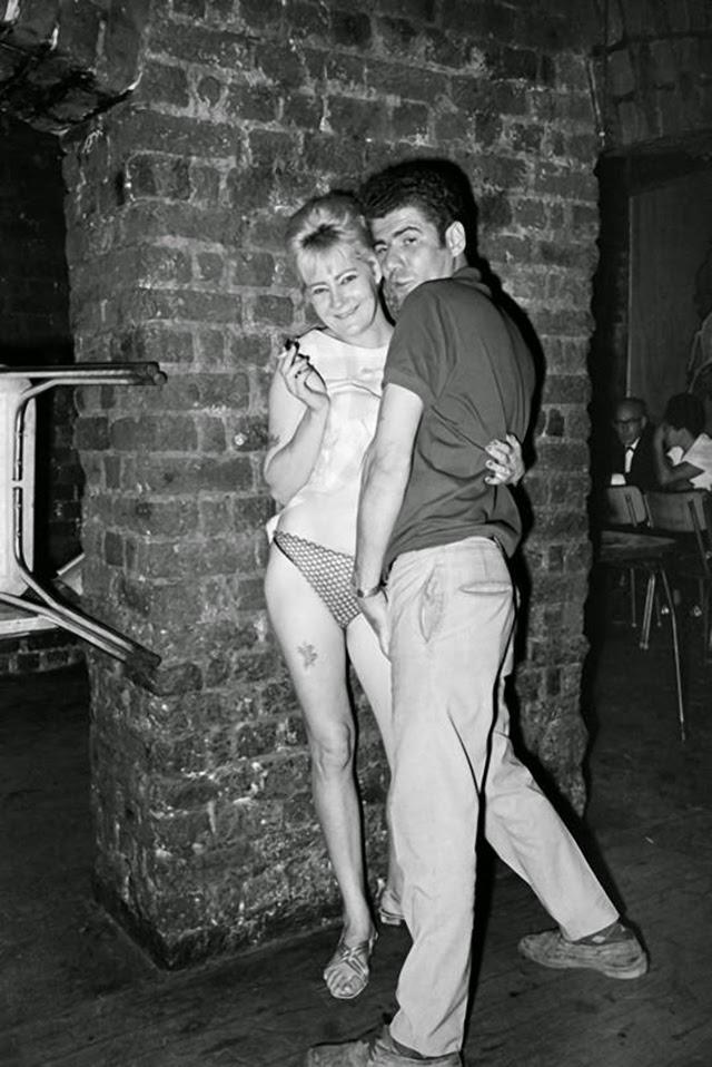 Erotic photography club