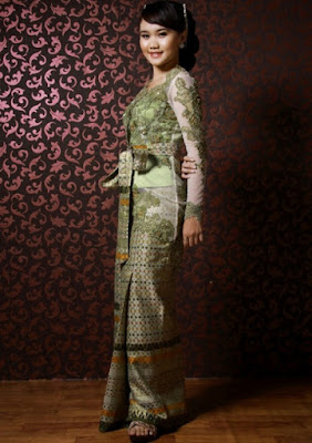 Model Songket Kebaya Sepinggul