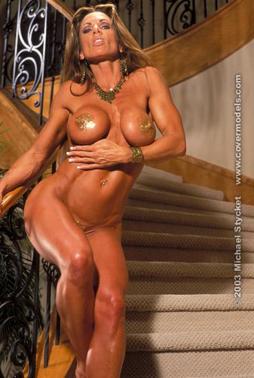 naked Annik taplin