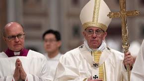 """Papa Francesco: """"Dai populismi nacque Hitler. Nei momenti di crisi non funzionano i muri"""""""