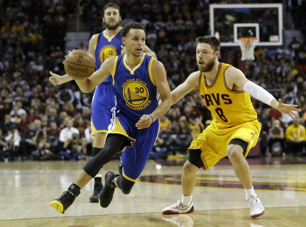 Warriors bounce back in Game 4, tie series 2-2