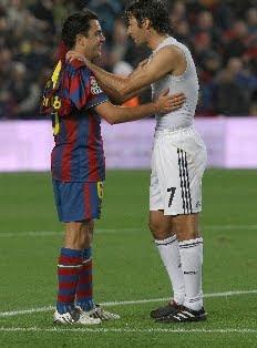Xavi Hernández cerca de superar a Raúl