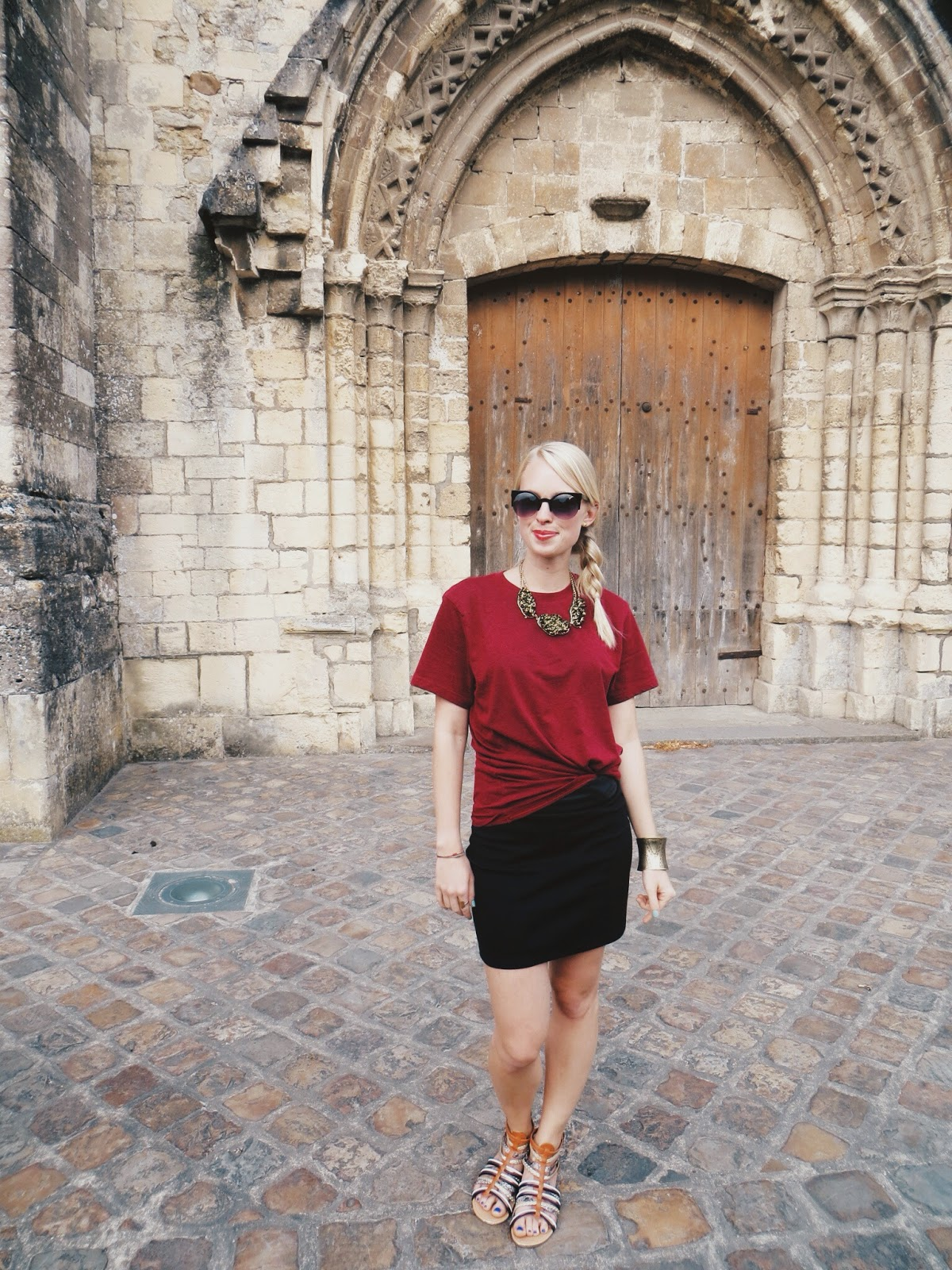 casual outfit, gladiator sandals, deb shops gladiator sandals, frat tuck, how to tie a shirt, how to tuck a shirt, mini skirt, statement necklace