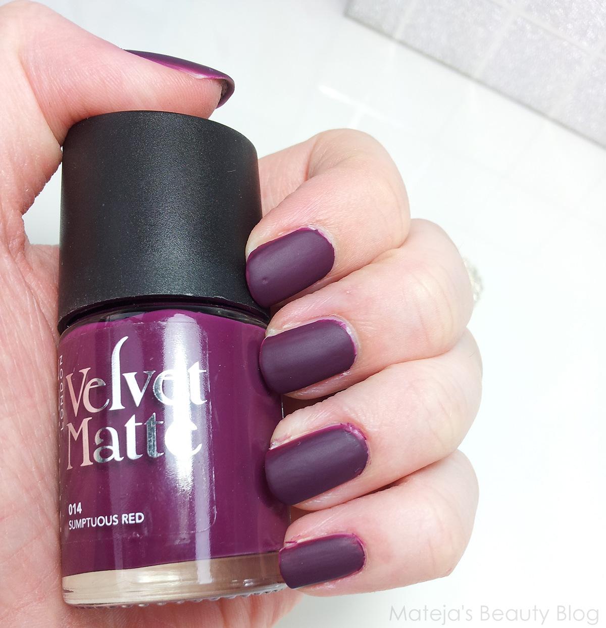 Avon Matte Nail Polish Red Velvet - Creative Touch