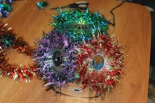 новогодний шар из CD дисков своими руками