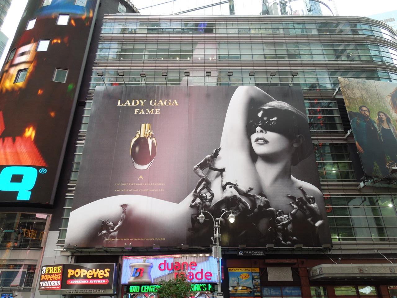 http://4.bp.blogspot.com/-zKbzul9D6wM/UEe9YMtVZZI/AAAAAAAAzTc/IBm-t3N18Hs/s1600/LadyGaga+Fame+fragrance+billboard.jpg