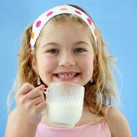 Anak Minum Susu Tinggi Lemak Punya Tubuh Lebih Kurus