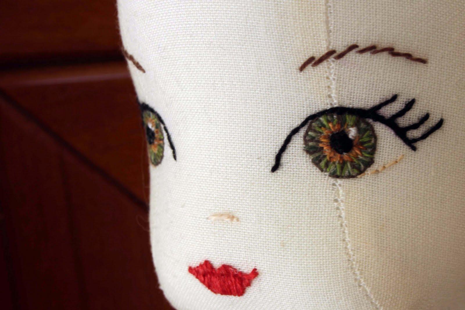 Как вышить кукле глаза