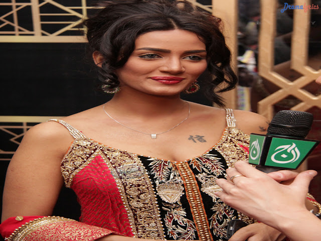 Mathira Khan Hot And Sexy Pakistani Actress Wallpapers