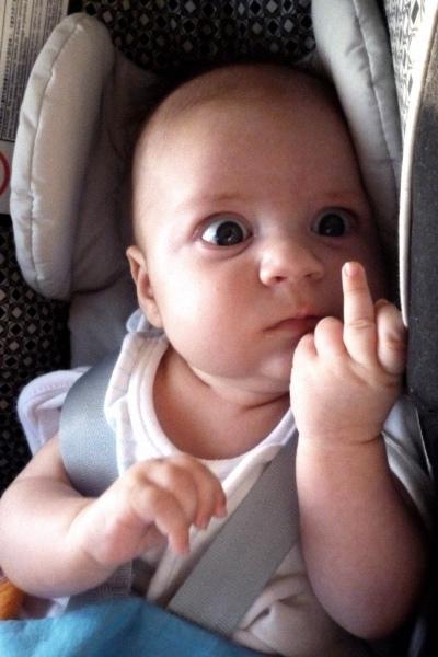 Baby med fuckfinger