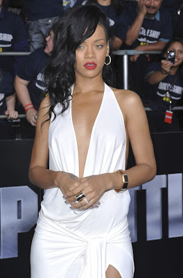 rihanna at battles premiere latest photos