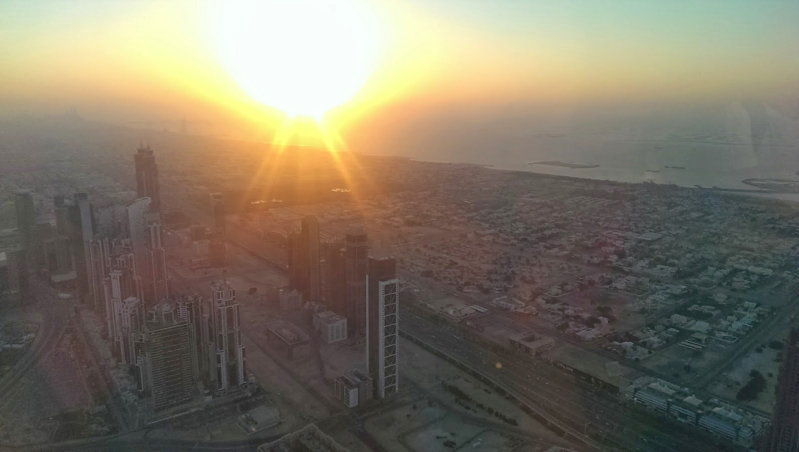http://msmadge.blogspot.co.uk/2014/01/dubai-from-burj-khalifa.html