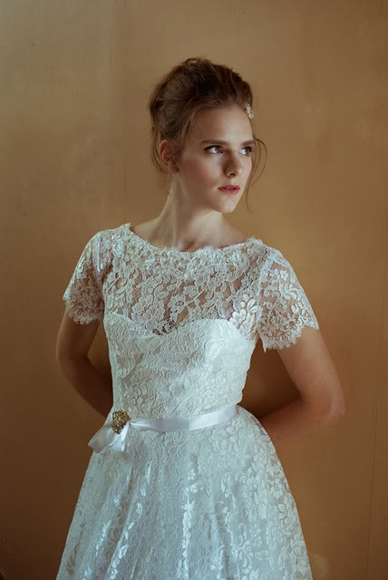 Vintage wedding blog c Heavenly Vintage Brides, Blanche 1950s wedding dress, top section