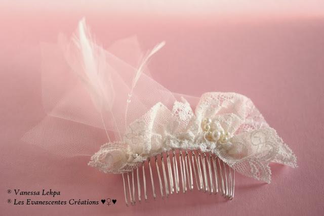 fleur pour cheveux de mariée réalisé à la main en soie blanche et ivoire. Sertie de perles de culture, de perles en cristal , pièce unique de créateur francais, made in France haute couture artisanale vanessa lekpa