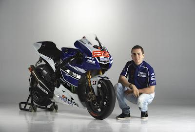 Yamaha YZR-M1 - Jorge Lorenzo 99