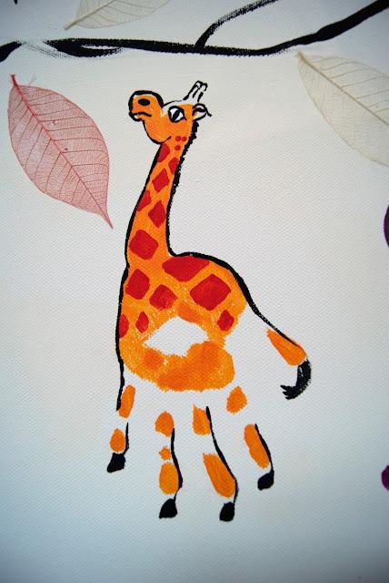 handprint giraffe