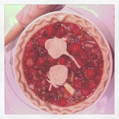 Strawberry Rhubarb Pie ready for the oven