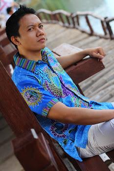 batik gendongan naga biru