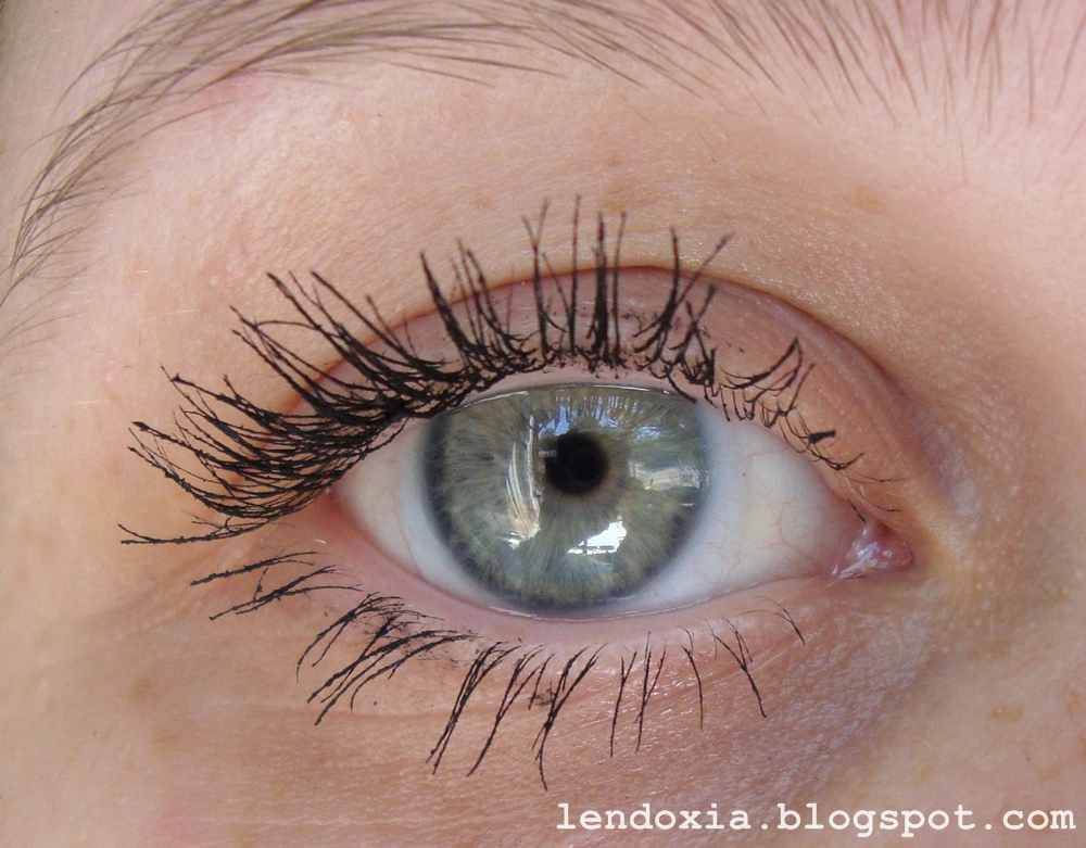 Essence Get big lashes volume boost dva sloja