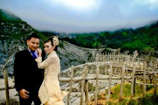 foto prewedding lucu di gunung tangkuban parahu