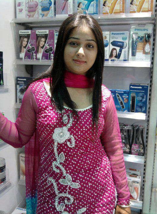 Facebook girls pictures for Desi home pic