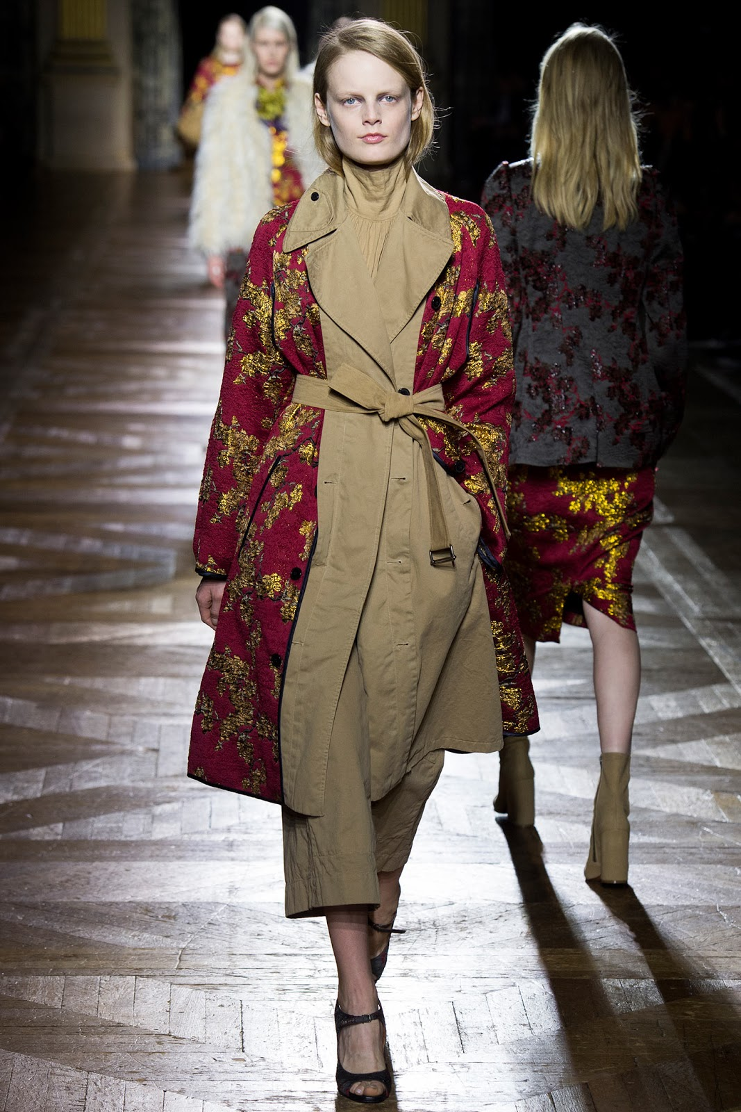 Trench coats as seen on a runway at Dries van Noten Autumn/Winter 2015 via www.fashionedbylove.co.uk