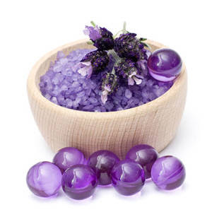 Fatto in casa sali da bagno colorati per aromaterapia con il fai da te - Sali da bagno naturali ...