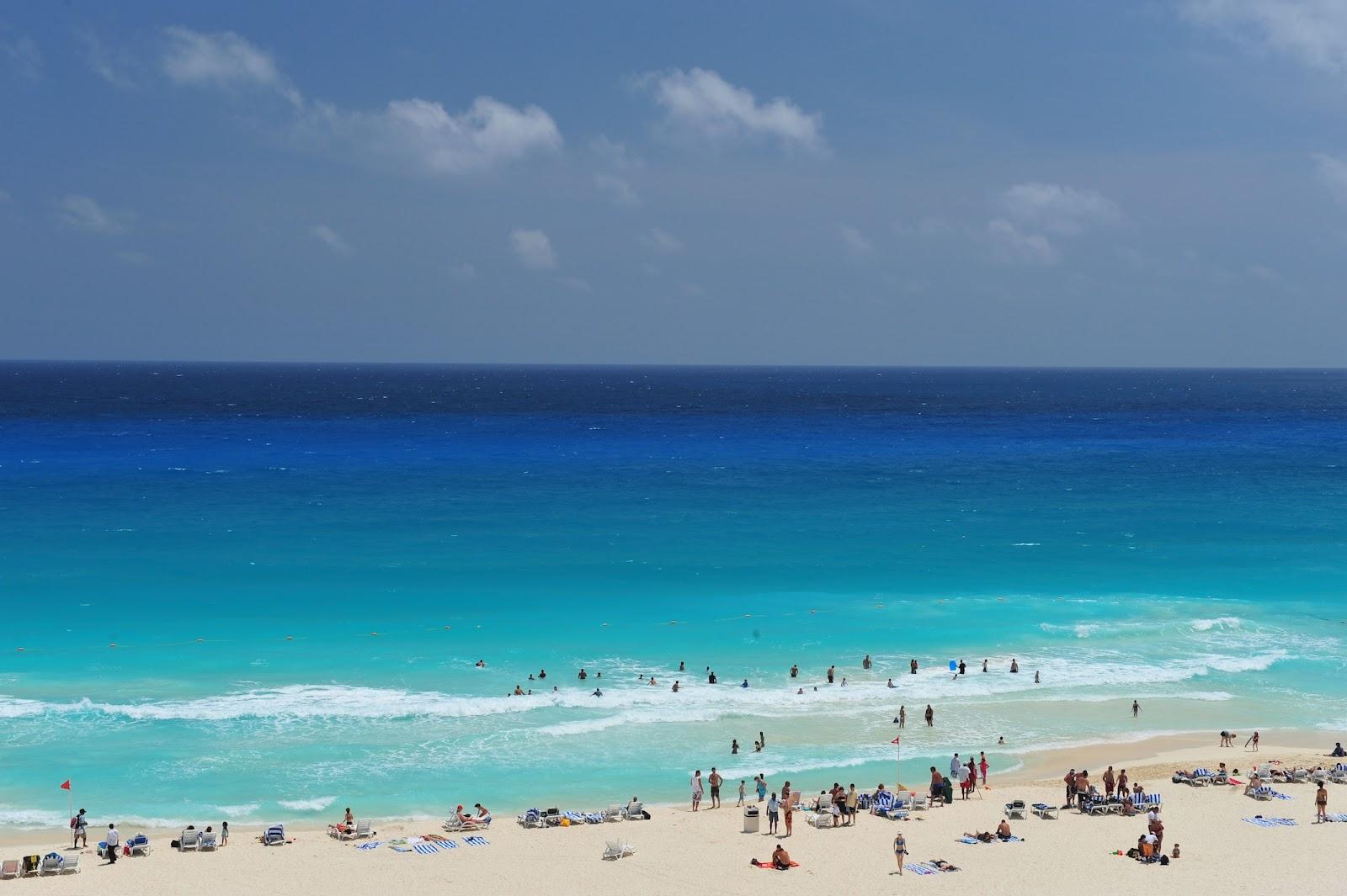 http://4.bp.blogspot.com/-zNRW40xtiW0/TzNrgIufZkI/AAAAAAAAE8I/yAg-O3YvedA/s1600/Cancun-Beach.jpg