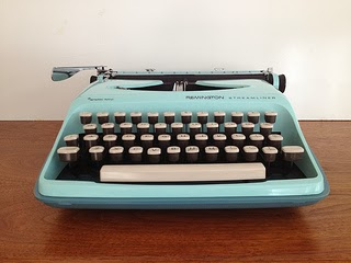 Remington Streamliner Typewriter