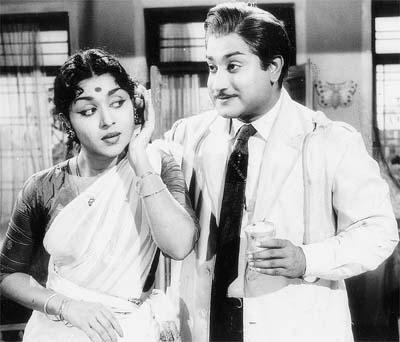Shivaji Ganesan & Saroja Devi in 'Paalum Pazhamum' Movie