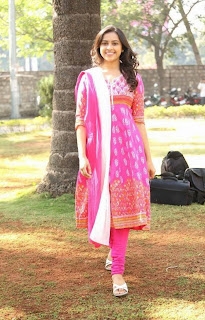 Actress Sri Divya Latest Picture Gallery in Salwar Kameez at Varadhi Trailer Launch 29