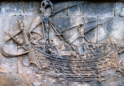 Model kapal Sriwijaya tahun 800-an Masehi yang terdapat pada candi Borobudur.