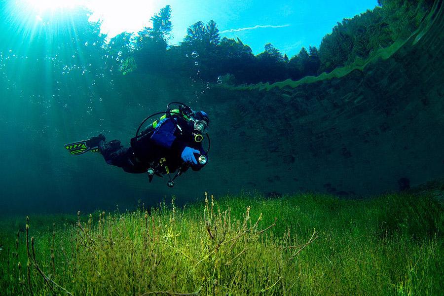 Un parque que se esconde bajo el agua en primavera