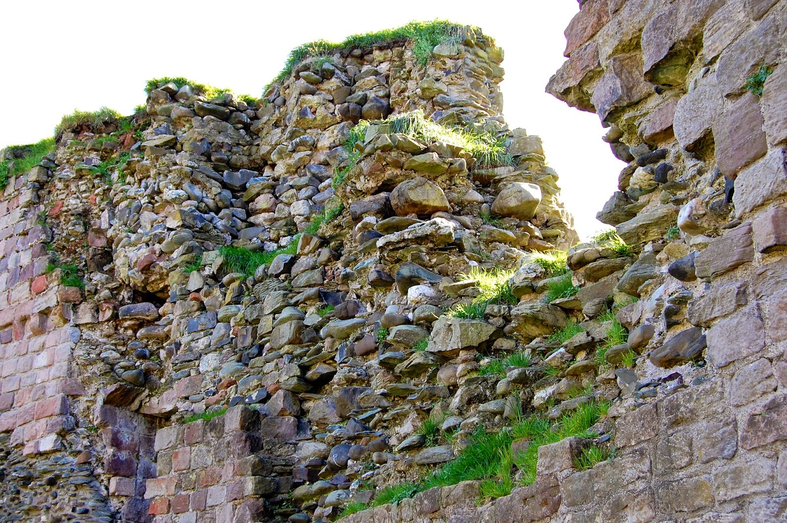 Rubble-filled wall at Rothesay Castle