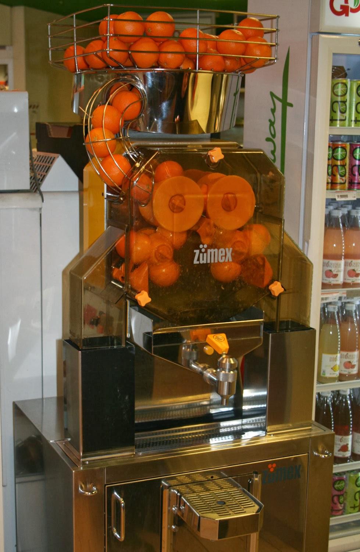A full orange juicing machine