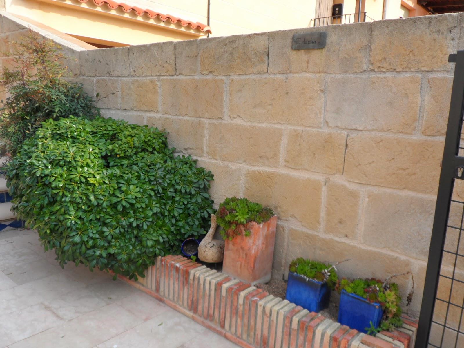 gaviones decorativos para el jard n y jardiner a Muros medieros estecha reproducciones Ladrillos decorativos para jardin