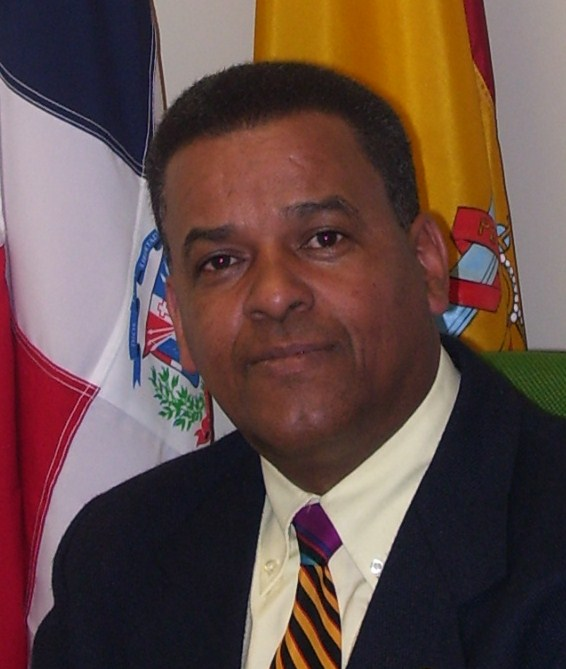 Olmedo Pineda, Director.