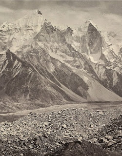 http://www.oldindianphotos.in/2014/06/gangotri-glacier-and-snowy-himalayan.html