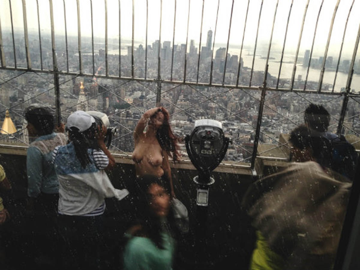 Empire State Building Sues Over Naked Pix