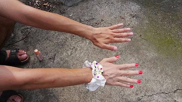 Maquillándose la mano 2