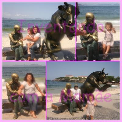 Estátua de Carlos Drummond de Andrade na Praia de Copacabana