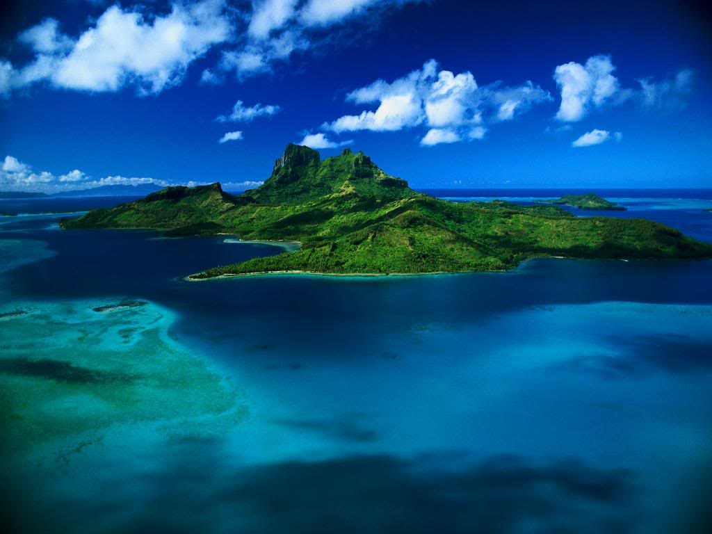 World Visits Paradise Island Wallpaper Review