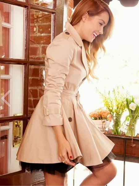 Paper crown trench coat