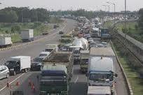 Info Arus Lalu Lintas Ruas Tol Jakarta Sekitarnya Siang Ini