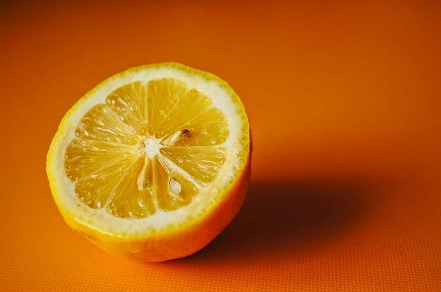 Khasiat Lemon