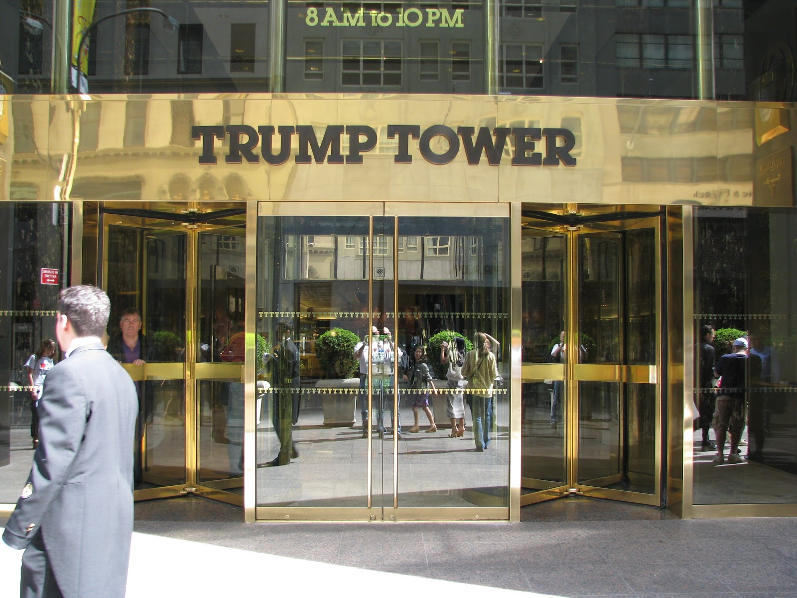 attractions trump tower parking