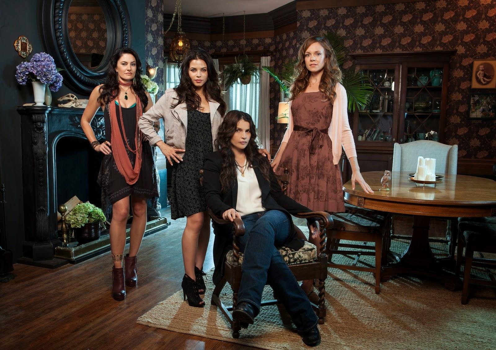 Hexed: Sisterhood of the Supernatural: October 2013 ...