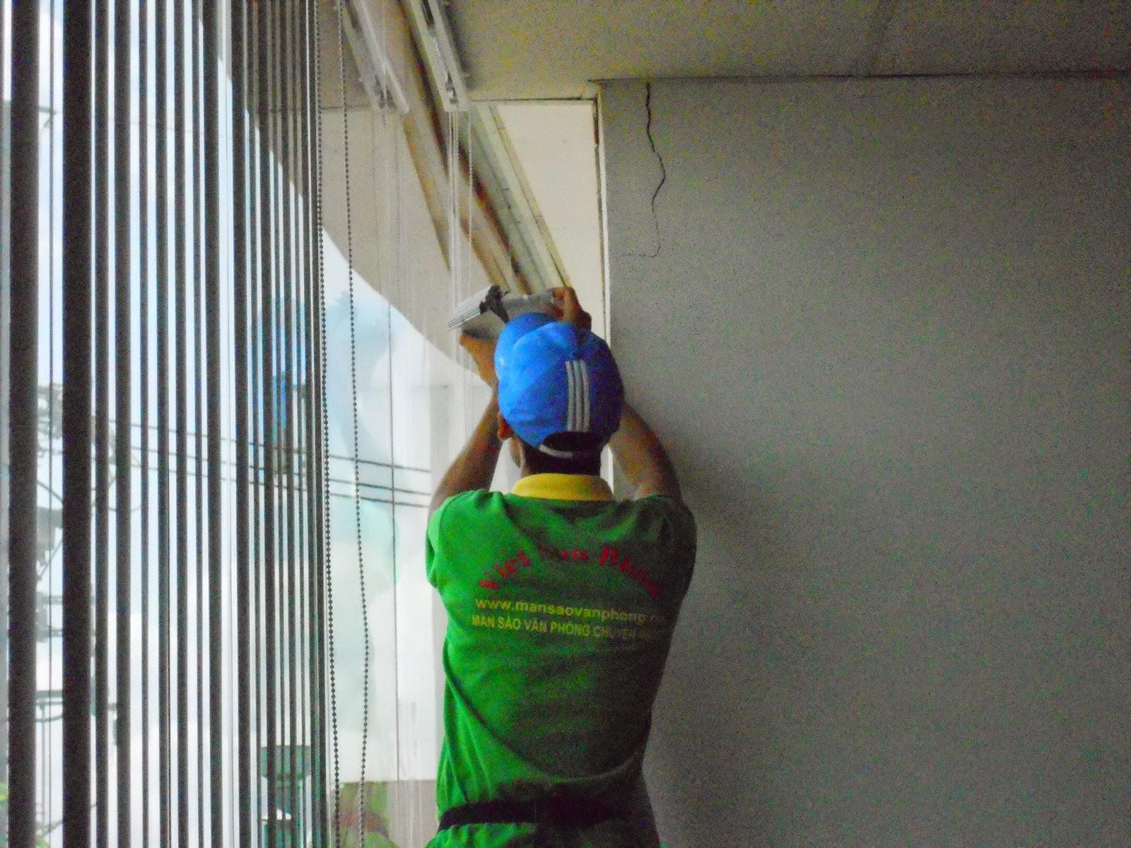 lắp đặt màn sáo nhà xưởng cho các khu công nghiệp