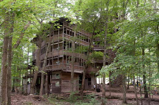 World tourism directory - Biggest treehouse in the world ...