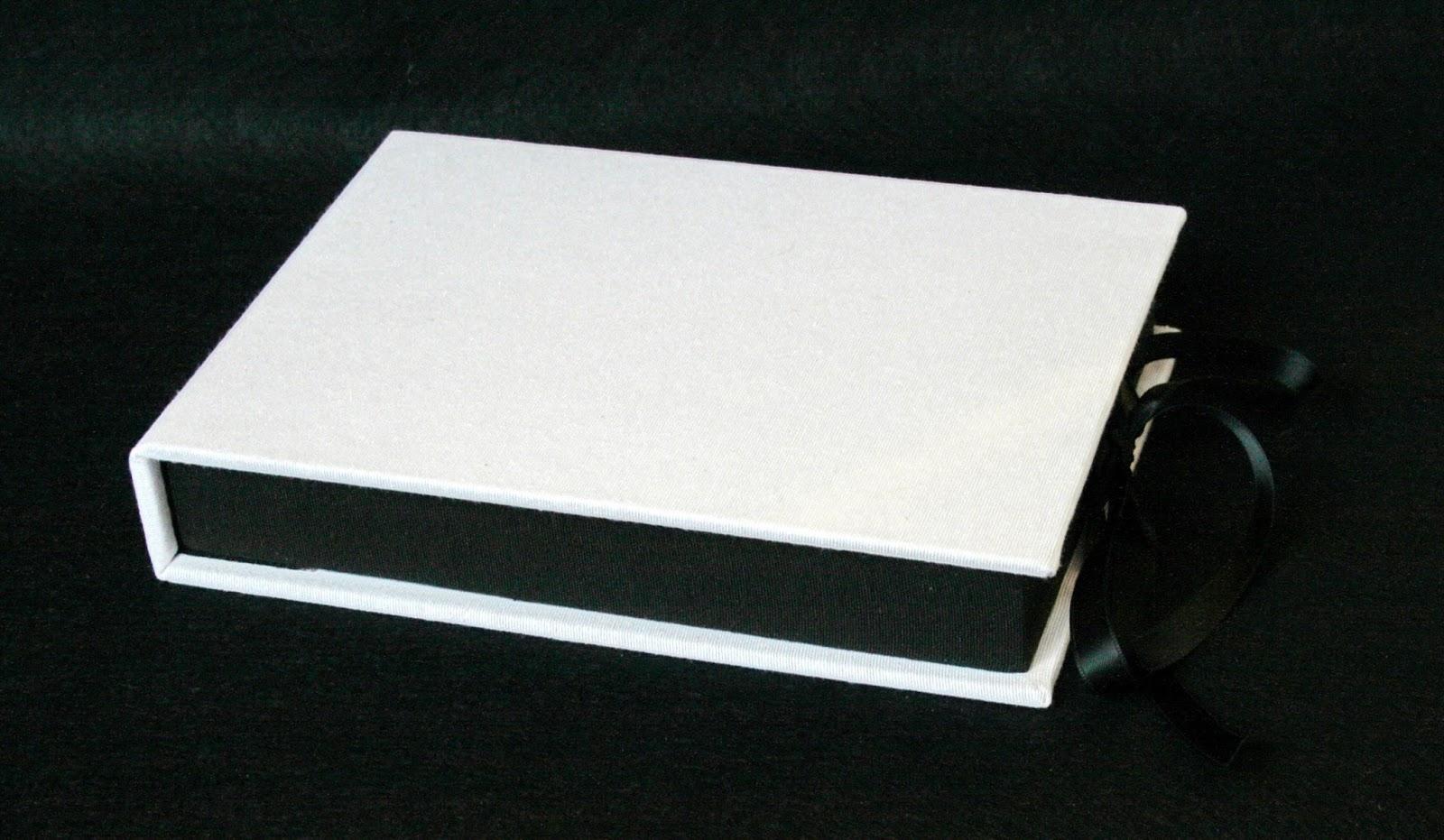 Caja para DVD y pendrive cerrada 1